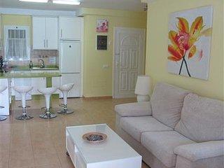 Goldenbeach apartment with POOL/ MOGAN Beach