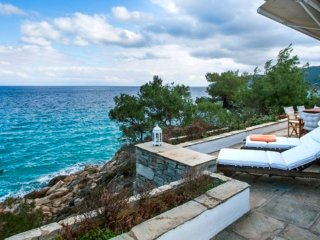 Unique Seafront Villa, Amazing View