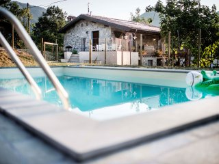 Family friendly farmhouse with pool