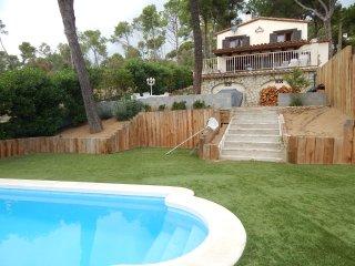 Chalet en una zona muy tranquila con piscina privada