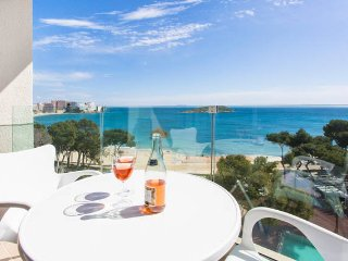 Cute seaview flat in Magaluf