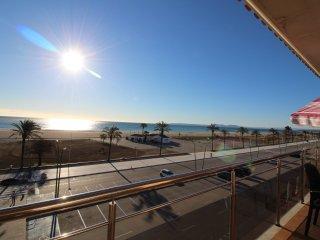 0083-BLAUCEL Apartamento enfrente de la playa con piscinas comunitarias