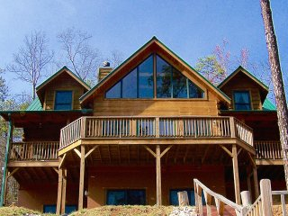 Serene Retreat 15 Min to Black Mtn 25 to Asheville Steps From National Forest