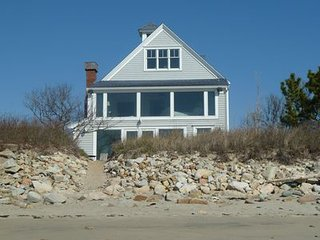 Direct Oceanfront 4BR/3BA with Sweeping View of Cape Cod Bay & Sunsets on Marsh, Green Harbor