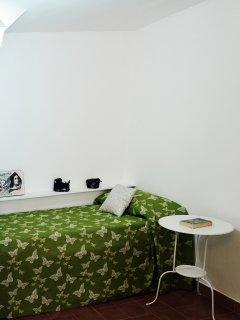 Apartamento COSTANZA. Máx. 4 personas. 1 doble y 2 indiv. o 4 indv. TV 32' A.Acond. Frío/calor Wifi