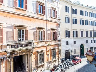 Piazza Navona One Bedroom #15682.1, Colonna