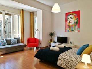Spain Host / Big modern apartment in the heart of Valencia