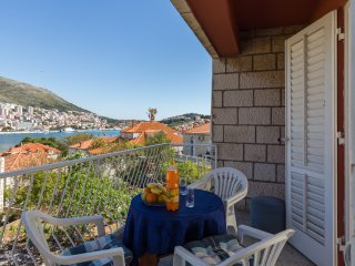 Apartment Bava - Two Bedroom Apartment with Two Balconies and Sea View, Dubrovnik