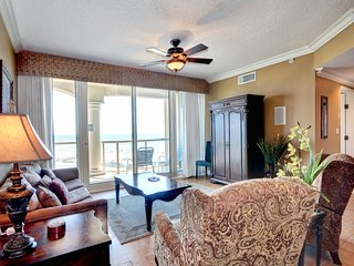 Gorgeous Two Bedroom Condo! Steps from the Beach!