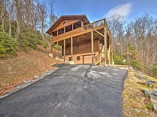 NEW! 3BR Boone Cabin w/ Unrivaled Mountain Views!