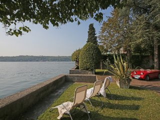 Apartment 'Magnolia' direct access to the lake