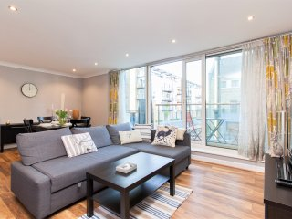 Luxury 2 bed Canary Wharf