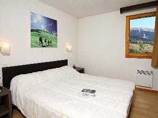 2 bedroom Apartment in Chantemerle, Provence-Alpes-Côte d'Azur, France : ref 503