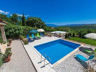 4 bedroom Villa in Novi Vinodolski, Kvarner, Croatia : ref 2299212