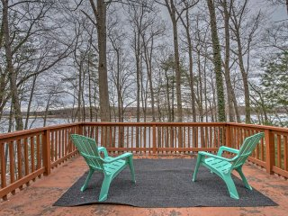Secluded, Lakefront Hawley House w/ Private Dock!