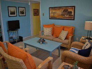 302AC: Blackies Pearl   3 Bedroom 1 Bath Sleeps 8, Port Aransas