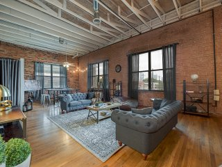 Charming Industrial 3 Bedroom Loft