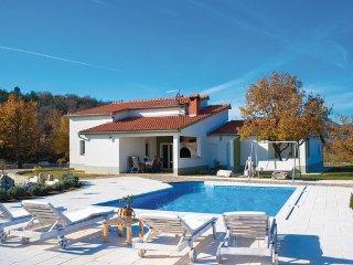4 bedroom Villa in Makarska-Grubine, Makarska, Croatia : ref 2303010, Donji Prolozac