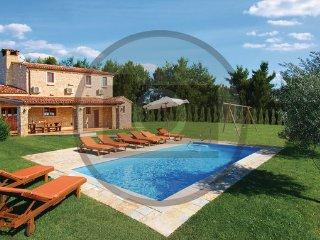4 bedroom Villa in Pula-Muntic, Pula, Croatia : ref 2303035