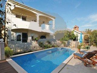 4 bedroom Villa in Trogir-Kastel Novi, Trogir, Croatia : ref 2303084, Kastel Gomilica