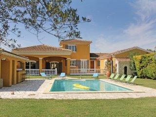 4 bedroom Villa in Caumont sur Durance, Vaucluse, France : ref 2303433