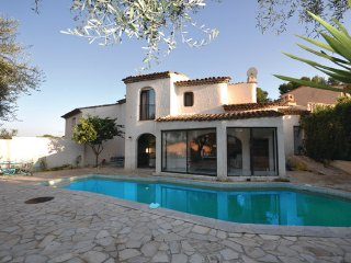 3 bedroom Villa in Mougins, Alpes Maritimes, France : ref 2303506