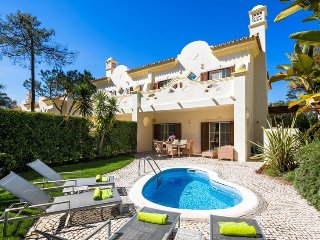 3 bedroom Villa in Quinta Do Lago, Algarve, Portugal : ref 2366054