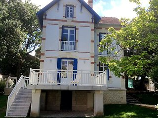 5 bedroom Villa in Saint-Palais-sur-Mer, Nouvelle-Aquitaine, France : ref 502566