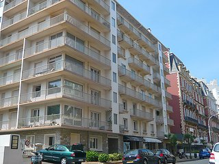 2 bedroom Apartment in Biarritz, Basque Country, France : ref 2369318
