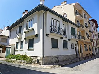 2 bedroom Apartment in Saint-Jean-de-Luz, Nouvelle-Aquitaine, France : ref 50336
