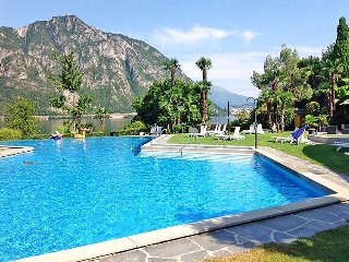 2 bedroom Apartment in Bissone, Ticino, Switzerland : ref 2372129