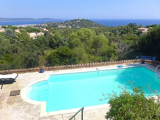 4 bedroom Villa in Cavalaire-sur-Mer, Provence-Alpes-Cote d'Azur, France : ref