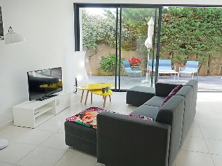 3 bedroom Villa in Canet Plage, Pyrenees Orientales, France : ref 2370129