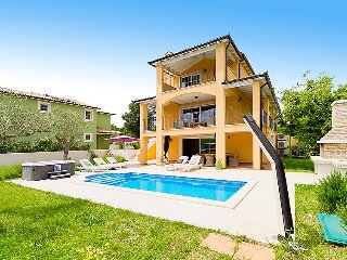 4 bedroom Villa in Rakalj, Istarska Županija, Croatia : ref 5036671