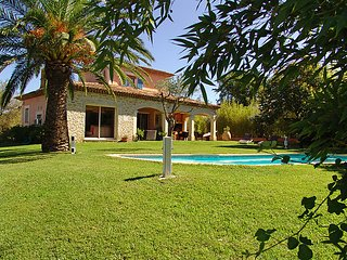 3 bedroom Villa in Cogolin, Provence-Alpes-Cote d'Azur, France : ref 5038056