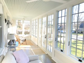 Adorable, Renovated 1890's Farmhouse... Walk to Beaches & Town!