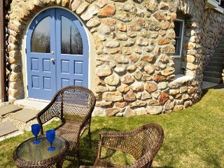 Penzance by the Sea: Waterfront Rockport condo near Pebble Beach.