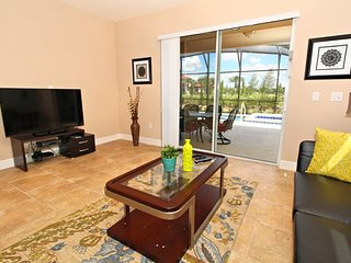Exquisite 5 Bed 4.5 Bath Villa with Pool and Spa in the All New Solterra, Orlando