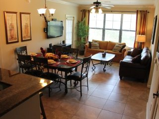 902CP-623. 3 Bed 3 Bath Condo in Bella Piazza Resort