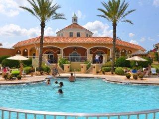 Beautiful 4 Bedroom 3.5 Bathroom Town Home in Regal Palms. 570CA, Kissimmee