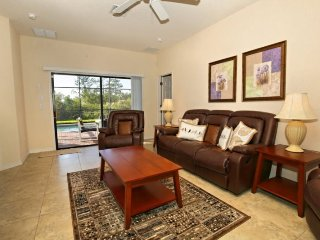 4 Bedroom Pool Home in High Grove with Games Room. 16600CBW, Kissimmee