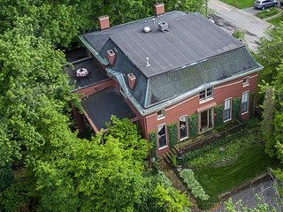 1840s Magnificent Historic Mansion Best Location For the Kentucky Derby