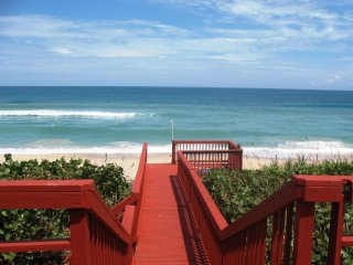 GOLDEN SANDS RUBY - Luxury Beachfront, Private Beach, Stunning Ocean Views, Melbourne Beach