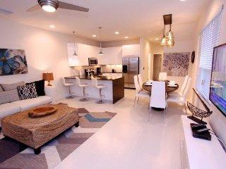 Serene 3 Bedroom 3 Bath Town Home with Splash Pool. 17413SB, Kissimmee