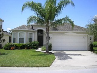 Beautiful 4 Bedroom Vacation Pool Home in Calabay Parc. 301TC, Davenport