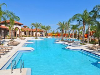 6104BOD. Beautiful 14 Bed 11 Bath Pool Home in Solterra Resort