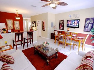 3 Bedrooms 3 Bath Windsor Hills Townhouse with Splash Pool. 2582ML