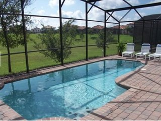 Disney 5 Bedroom 3 Bath Pool Home in Gated Community. 308SPL