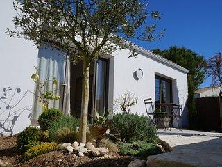 La Rochelle House Rental - Maison de Vacances