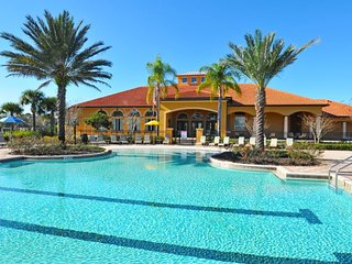 7 Bedroom 4.5 Bath Pool Home in Gated Watersong Resort. 844OCB, Davenport